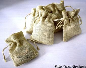 10 Favor Burlap Bags, Off-white Burlap Bags, Drawstring Bags, Rustic bags,Gift Showers Weddings burlap,Candy Bags, Gift Sack Favor Bag,