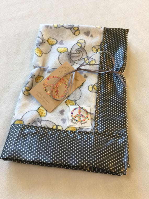 Adorable travel Muslin / Flannel Baby Blanket, Backed & edged with high Quality silky fabric. This lovey ia perfect for on the go.
