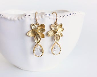 Gold Flower and Crystal Dangle Earrings, Clear Crystal Drop Earrings, Wedding Bridal Earrings