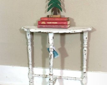 White Shabby Distressed Entry  or Accent Table