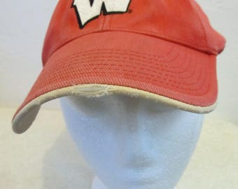 A Vintage 90's,Faded,Grunge era,Red Velcro Close WISCONSIN BADGERS Cap.OSFM