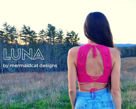 Crochet crop top halter pattern -Luna