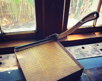 Paper Cutter Small Size 40's Industrial
