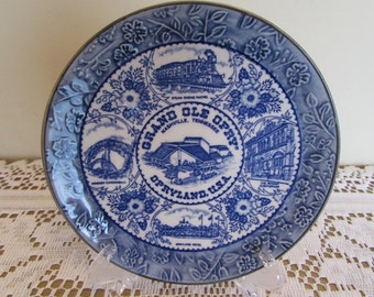 """Opryland (Nashville, TN) Collectible Embossed Plate 6"""" in blue and white"""