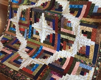 Color Infusion - A scrappy Log Cabin quilt