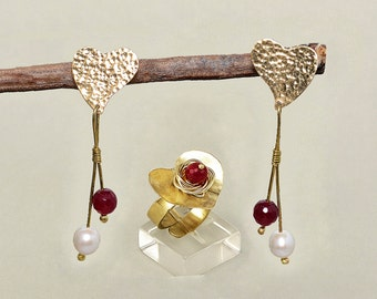 Ring and earrings set, heart jewelry, metal work jewelry, valentines gift, gold heart, tumbaga jewelry, brass set, garnet jade set.