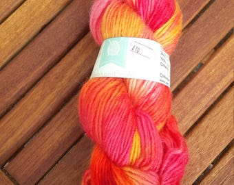 Flame - hand dyed yarn - 100g