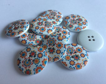 25mm wooden floral 4 hole buttons  x 15
