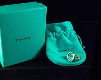 Tiffany & Co. Elsa Peretti Sterling Silver O ring. 925, w/ Box and Bag