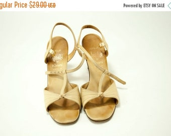 EVERYTHING ON SALE Amalbi by Rangoni ~ Tan T-Straps Knot with Stitching Detail Crepaldo Sandals ~ Size 7 N