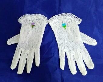 White children gloves,  Flower girl gloves, First Communion gloves, Little girls gloves, Party glove, Church gloves, Junior bridesmaid glove