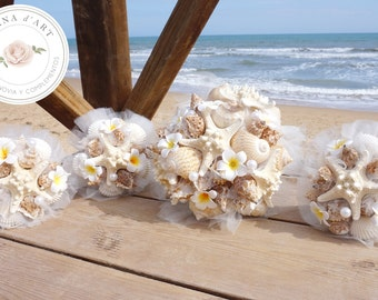 Beach wedding bouquet, White sea shells and pearls bouquet, Beach wedding bouquet in white tones with plumerias