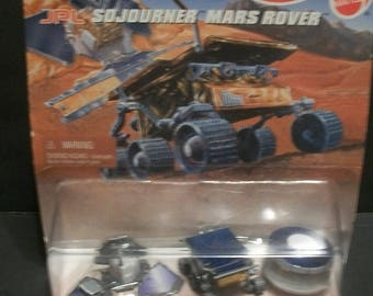 1996 Mattel Hot Wheels Action Pack Sojourner Mars Rover 1/64 Scale Diecast 3 Lunar Vehicles New on Card  With Badly Crushed Bottom Edges