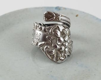 Vintage sterling spoon ring sterling silver ring wrap ring silver spoon ring silver pattern spoon ring size 6 OT2500