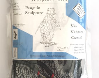 ChickenWired sculpture kit - Penguin