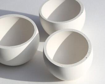 concrete bowl [ small, white ] // amorphous // fluid concrete collection