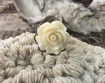 JEWELRY:  Flower Filigree Ring / Adjustable Brass filigree Ring/ Gift for Her. {A9-34#00166}