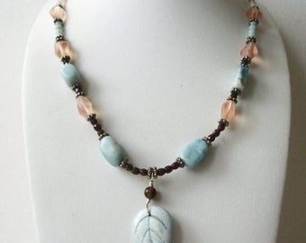 ON SALE Vintage 1950s Pastel Brown Carved Stone Leaf Pendant Glass Necklace 32517