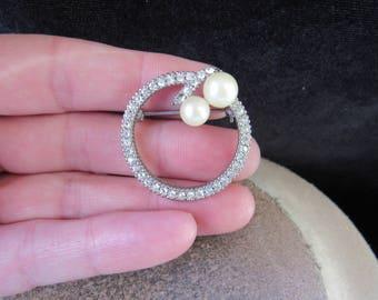 Vintage Rhinestone Faux Pearl Pin