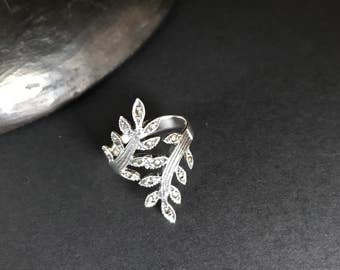 Sterling silver Size 7 ring twig leaves marcasite stones ornate design vintage evening party