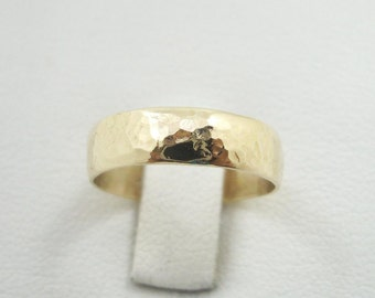 NEW Solid 14K Yellow Gold Hammer Textured Band/Ring 5mm, Size 7, 3.9 grams