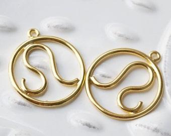 Zodiac Leo Sign, Leo Charm, Leo Pendant, Leo Zodiac, Gold Zodiac Charm, Gold Charm, Round Charm, July Zodiac, August Zodiac, Set of 4,