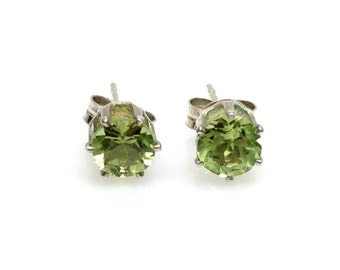 Vintage Peridot and Sterling Silver Round Faceted 1.14 Carat Prong Set Stud Earrings