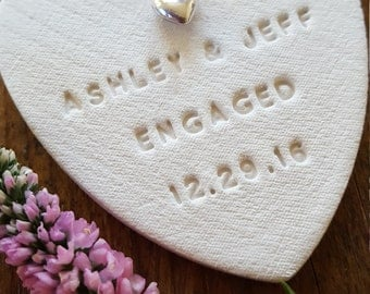 Persoonlijke betrokkenheid Ornament ~ klei Ornament ~ Clay Gift Tag ~ Wedding Decor ~ betrokken Ornament ~ Gift Box