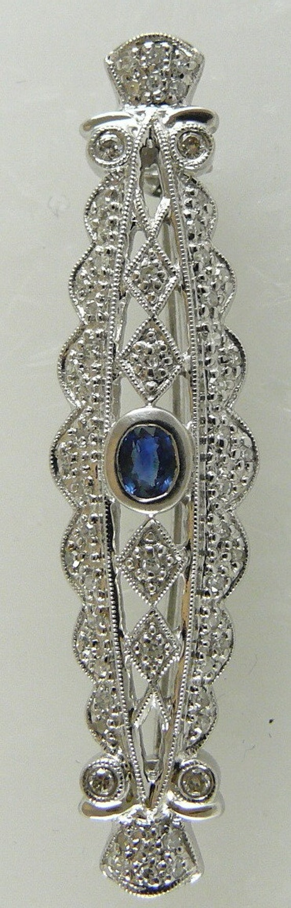 Sapphire 0.30ct Pin 18k White Gold with Diamonds 0.28ct