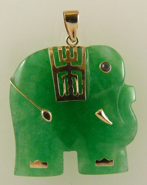 Green Jade 23.7mm x 23.4mm Elephant Pendant 14k Yellow Gold 1.45 Inches