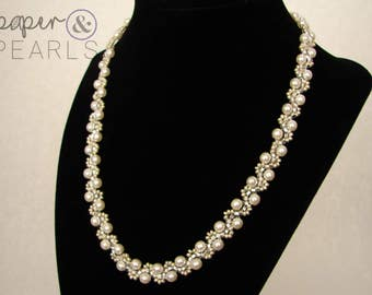 Elegant Pearl Necklace in Ivory