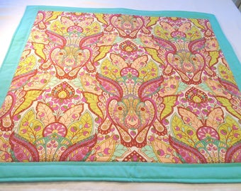 Ostara, Eostre altar cloth handmade quilted rabbits bunnies hares flowers Saxon pagan witch Wicca Celtic