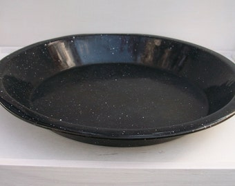Vintage Rustic Black White Speckled Enamelware Graniteware Pie Plate Pan Farmhouse Style Cottage Chic