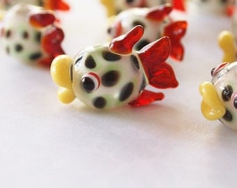 1 Lampwork Glass Fish Red Fin Bead Charm size 17x24mm