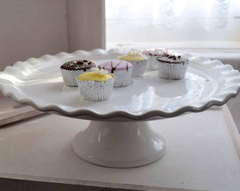 Cake Plates & Stands