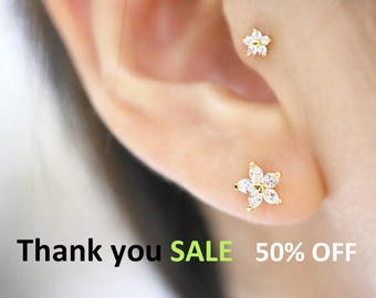 SALE/Tragus earring,Cartilage earring,Flower Cartilage Earring,Helix piercing,Piercing,Conch piercing,rook piercing,Ear piercing,tragus stud