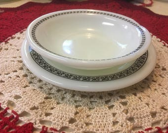 Pyrex Saucer and Bowl - Champagne