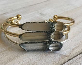Herkimer diamond bracelet, Gold cuff bracelet, birthstone, diamond bracelet, raw crystal, birthstone jewelry, boho jewelry, bridesmaid gift