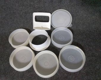 Tupperware Sheer Burger Press ,Lid  and Molds 8 pieces total.....PreOwned and In Excellent Shape