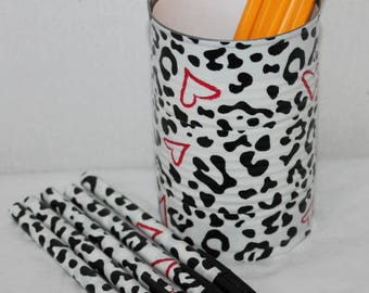 Black leopard print duct tape tin can pencil holder;Office supplies;School supplies;Teacher gift;Pen set;Decorative pens;Stationary set