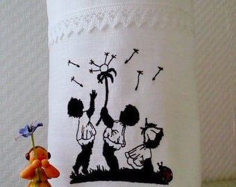 Light bag Vasenhusse flower embroidered linen