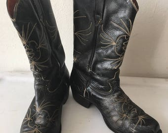 Black men's boots from leather shabby and genuine leather, vintage style western boots cowboy boots old boots retro boots men's size - 10.
