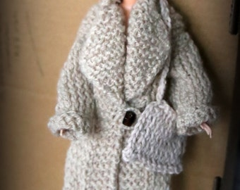 Barbie long wool coat for winter beige handbag. Knitted and amber button. Basque sold separately
