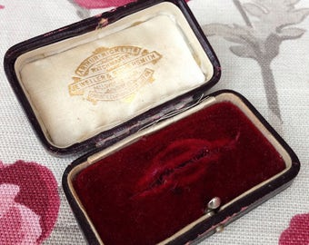 Antique Vintage Brooch Pin Box Lavender Hill Ricketts Jewellery Jewelry Case