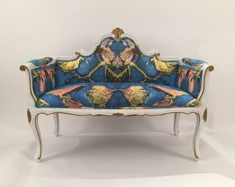 Stunning Restored Settee new upholstery