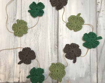 Crochet four leaf clover garland, bunting, banner, Irish, good luck, St Patrick's day, farmhouse