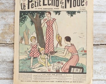 Le Petit Echo de la Mode - Vintage French fashion magazine from 1926 and 1933 - Beautiful retro fashion illustration - Vintage adverstising