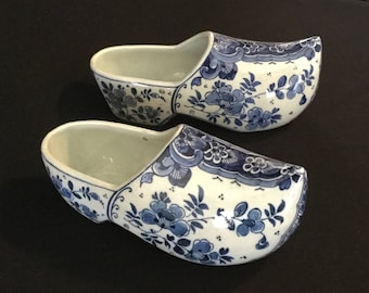 Antique 19th Century Blue And White Floral Delft Porcelain Decorative Shoes