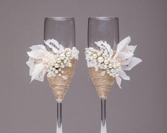 Personalized wedding flutes Wedding champagne glasses Toasting flutes Champagne flutes ivory pearl rustic champagne flutes wedding Rustic