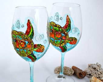 Sea Turtle Wine Glasses Hand painted Crystal wine glasses Beach wedding glasses Nautical toasting glasses Gift for a couple Ocean wedding